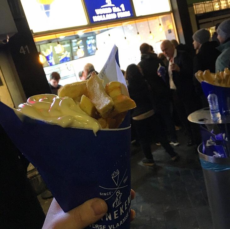 Dutch Fries with Vegan Mayo